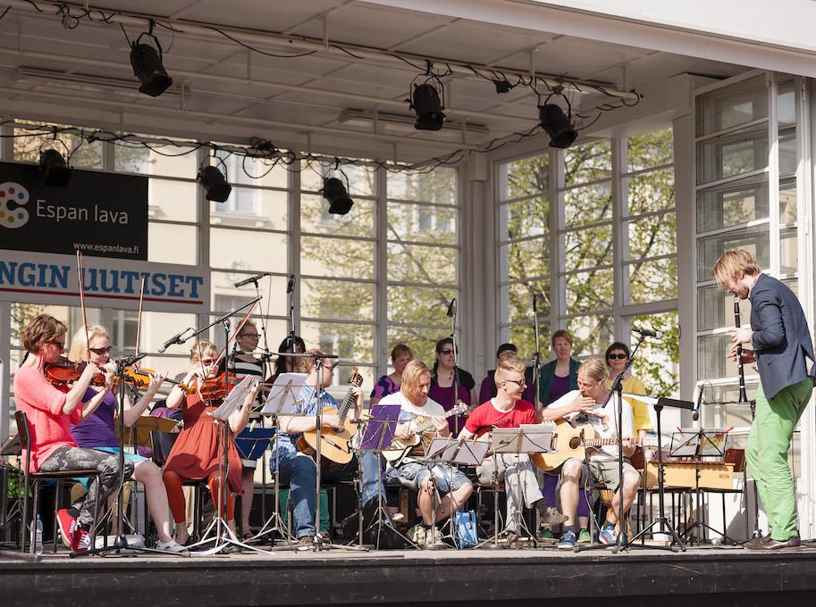 Roihuvuoren äitien ja isien orkesteri
