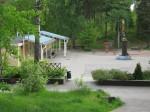 Tuhkimonpuiston pihapiiriä kesällä 2009.