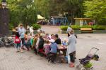 Talkoot Roihuvuoren Tuhkimonpuistossa 6.6.2014: maalausta, kasvien istutusta sekä ruokaa ja musiikkia talkooväelle.
